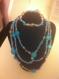Turquoise And Silver Metal Bead Necklace /Bracelet Set