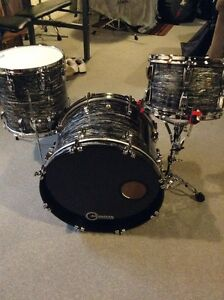 Ludwig Classic Maple Vintage Black Oyster Downbeat - Mint