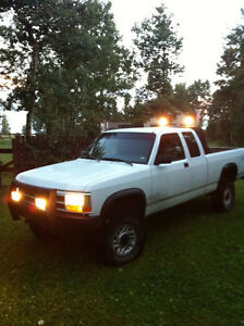 1993 Dodge Dakota - 4x4 lifted