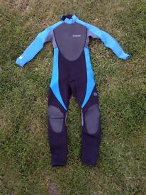 Boys Wetsuit - Approx Age 7/8