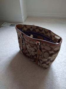 Authentic Coach Tote Bag! Great condition! Kitchener / Waterloo Kitchener Area image 2