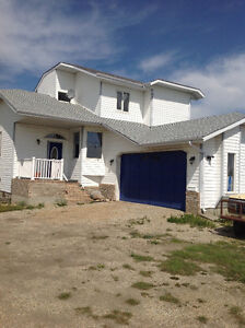 ACREAGE 10 MINUTES FROM ST.ALBERT -- a must see!!!!!
