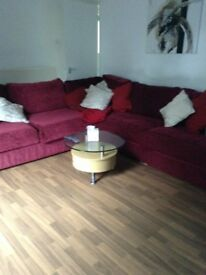 3 bedroom end terrace house for rent.