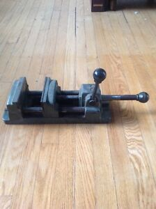 Milling machine table vise
