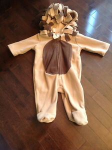 OLD NAVY HALLOWEEN LION COSTUME - SIZE 3-6 MONTHS