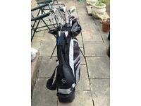 Dunlop Golf Clubs 65i with Golf Bag