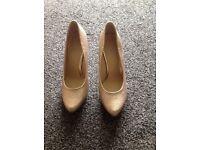 Size 6 / 7 sparkling ladies shoes.