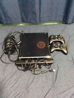 Xbox 360, 250 GB ( lots of extras)