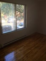 5 1/2 NDG FOR RENT