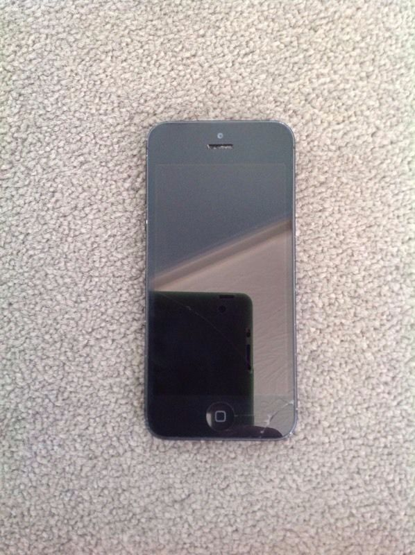 Iphone 5 ,EE Network,32GB,Good Condition,With Warranty