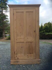 Lovely old pine cupboard/ wardrobe, original