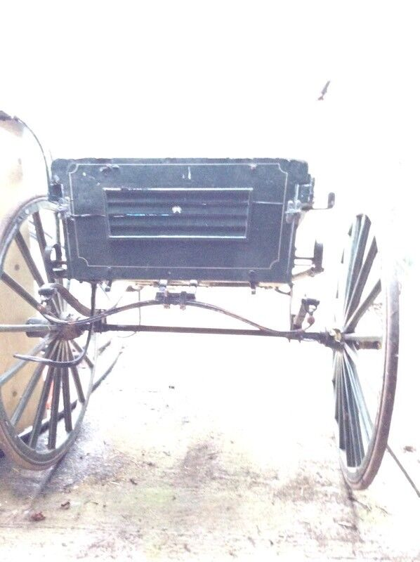 Pony or small horse cart in need of repairs