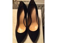 Charlotte Olympia pumps size 7, euro 40
