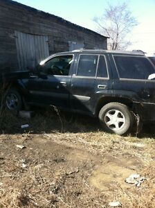2003 Chevrolet trail blazer  parting out