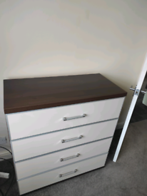 Chest of 4 drawer's