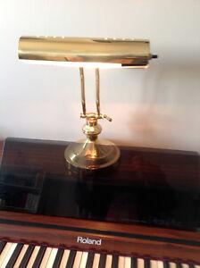 lampe piano  40,00$ et métronome 10,00$