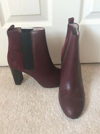 Boden Chelsea Ankle Boots Brand New Leather and Suede Size 40