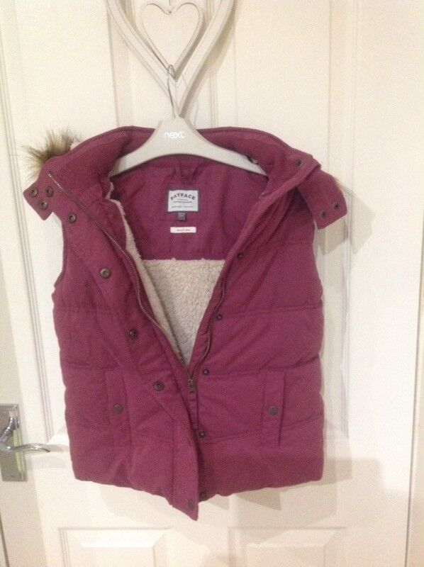 Girls FATFACE gilet size age 10-11