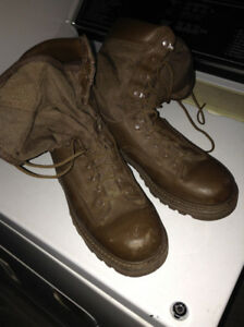 Militaty boots from CF, brown gortex, lightly used