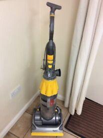 Dyson vacuum / hoover