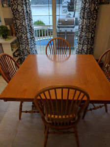 Real Maple Hardwood Table and Chairs for Sale West Island Greater Montréal image 2