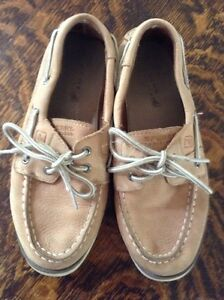 Children's size 2 leather Sperry boat shoes