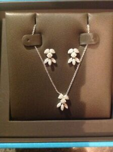 Beautiful Brand New Diamond Necklace and Earrings For Sale