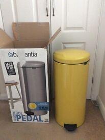 Brabantia newlcom 30 litre bin new daisy yellow