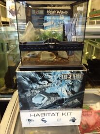 Exo terra habitat kit glass 30cm X 30cm X 30 cm new