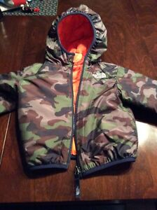 Comme neuf ! Like New ! NORTH FACE JACKET MANTEAU TODDLER 2T