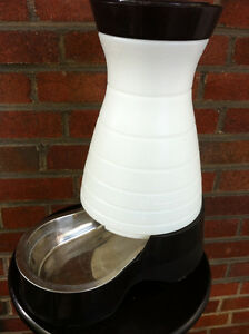 PetSafe Dog and Cat Food Station with Stainless Steel Bowl Med Peterborough Peterborough Area image 4