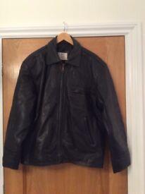 Men's leather jacket sz medium, very heavy