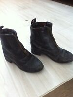 Horse riding boots.  Approx size 13 (says euro 29)