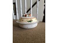 Villeroy & Boch Christmas Soup Tureen / Serving Dish