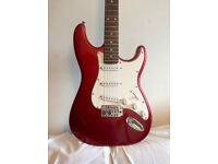 GREAT BEGINNER ELECTRIC GUITAR + STRAP + NEW STRINGS - cherry red strat / stratocaster -