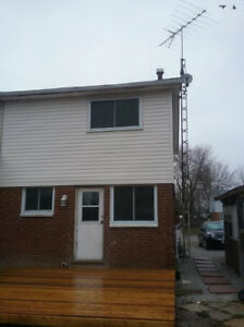 Semi Detached Home for Rent in Wallaceburg