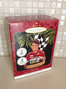 Decoration de Noël Hallmark Ornament Jeff Gordon NASCAR DuPont