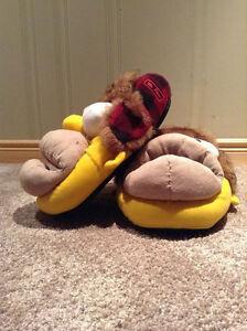 "Homer Simpson ""Mr. plow"" slippers --size Large (11-12) Kitchener / Waterloo Kitchener Area image 2"