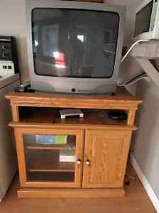Oak TV Cabinet, Great Condition, Free TV with it!!
