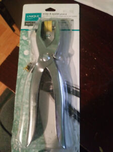 snap and eyelet pliers