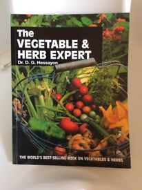The Vegetable & Herb Expert: The world's best-selling book by Dr D G Hessayon - Paperback – 1997