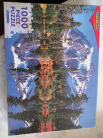 2 jigsaw puzzles