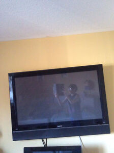 2 TV IN-ONE SONY/SANYO COMBO GREAT CONDITION