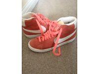 Nike blazers size 5 new but no box