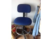 Computer chair ( blue) in good condition