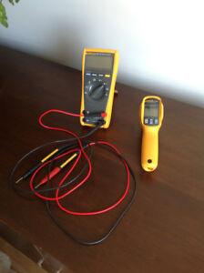 Multimètre et un thermomètre digital à vendre