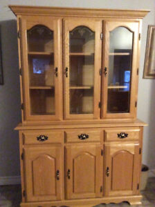 solid Oak China cabinet 2 piece perfect condition