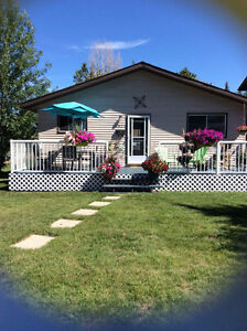 Sylvan Lake Cottage for Rent (Weekly Rental)