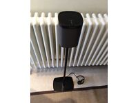 Sonos play one plus stand