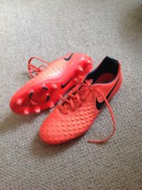 Nike magistra football boots